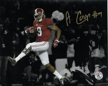 Amari Cooper signed Alabama Crimson Tide 8X10 Photo #9 (horizontal spotlight run)