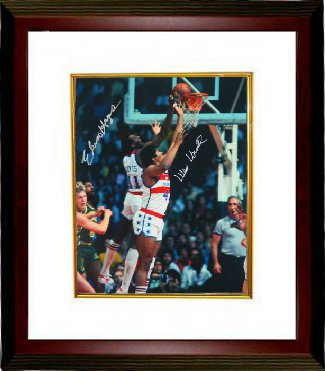 Elvin Hayes signed Washington Bullets 16X20 Photo w/ Unseld Custom Framed