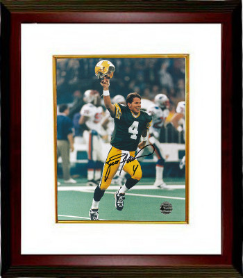 Brett Favre signed Green Bay Packers 8X10 Photo Custom Framed (SB XXXI-The Kid Celebration)- Favre Hologram