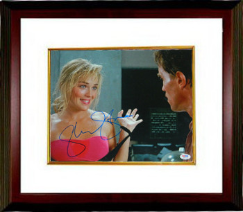 Sharon Stone signed Total Recall Hands Up 11x14 Photo Custom Framed (w/ Arnold Schwarzenegger)- PSA Holo (entertainment/movie)