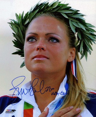 Jennie Finch signed Olympic Team USA 8x10 Photo USA Gold (2004 Olympic Ceremony)
