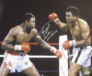 Larry Holmes signed Boxing 16x20 Photo vs Ali w/ Easton Assassin (Leaf)
