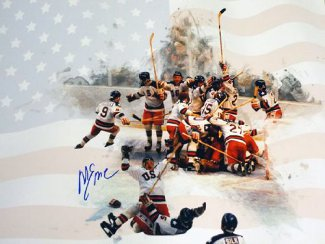 Mike Eruzione signed 1980 Team USA Olympic Hockey 16x20 Photo Team w/ Flag Miracle on Ice vs Soviet Union