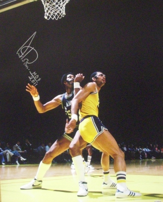 Artis Gilmore signed San Antonio Spurs 16x20 Photo HOF 2011 vs Kareem Abdul-Jabbar