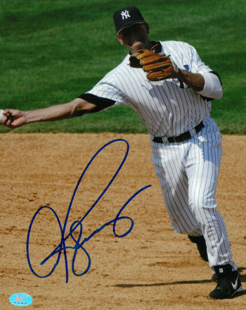 Alex Rodriguez signed New York Yankees 8x10 Photo (full sig)- Rodriguez & BAS-Beckett Holograms