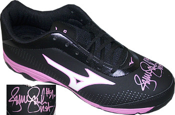 Jennie Finch signed Mizuno Black and Pink Softball Right Cleat USA (Size 10-Team USA Olympics)