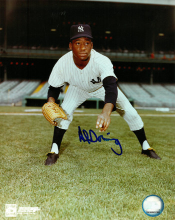 Al Downing signed New York Yankees 8x10 Photo (crouching)