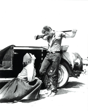 "James Dean and Elizabeth Taylor unsigned Vintage B&W 8x10 Photo from the 1956 Film ""Giant"""