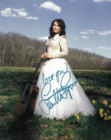 Loretta Lynn signed Vintage 8x10 Photo Love You- PSA Hologram #AD55291 (Still a Mountain Girl)