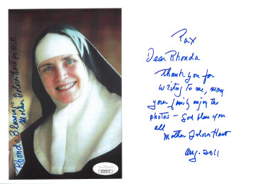 "Dolores Hart ""Mother"" signed Vintage 5x7 Photo w/ Letter (2 sigs) to Rhonda- JSA Hologram #DD32879 (American Catholic Nun)"