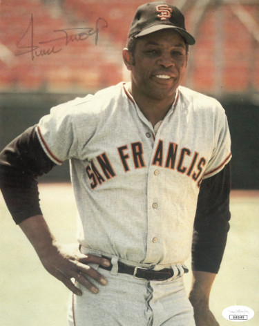 Willie Mays signed San Francisco Giants 8x10 Photo faded/creased- JSA Hologram #EE41605