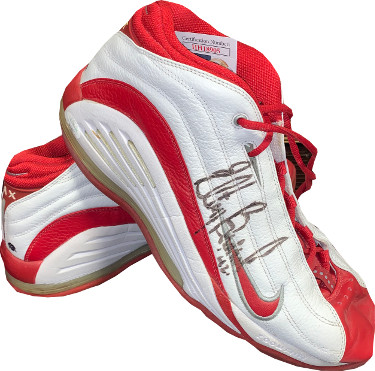Elton Brand signed Chicago Bulls NBA Game Used White Nike Zoom Air shoes w/ #42, Pair (one signed, Size 16)- JSA #HH18905