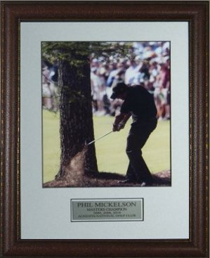 "Phil Mickelson unsigned 2010 Masters 11x14 Custom Leather Framed ""Shot of His Life"""