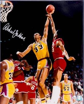 Kareem Abdul-Jabbar signed Los Angeles Lakers 16x20 Photo- Online Authentics Hologram