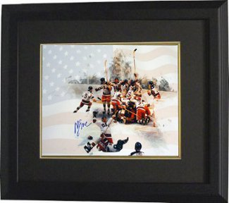 Mike Eruzione signed 1980 Team USA Olympic Hockey 16x20 Photo Custom Framing Team w/ Flag Miracle on Ice