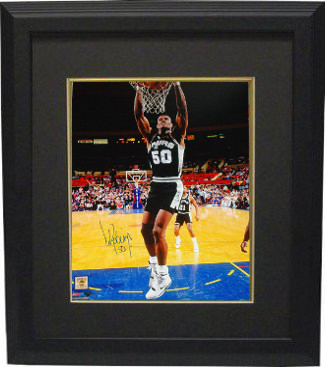 David Robinson signed San Antonio Spurs 16x20 Photo Custom Framed Dunk