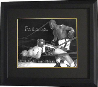 "Rubin ""Hurricane"" Carter signed Vintage B&W 16x20 Photo Custom Framed (deceased)- Beckett Hologram"