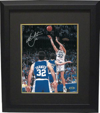 Christian Laettner signed Duke Blue Devils Vertical 8x10 Photo Custom Framed 1992 The Shot vs KY Buzzer Beater #32- Steiner Holo