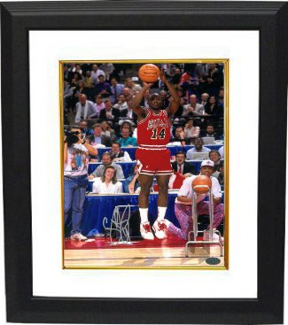 Craig Hodges signed Chicago Bulls 8x10 Photo Custom Framed 3X 3 Point Shooting Contest Winner