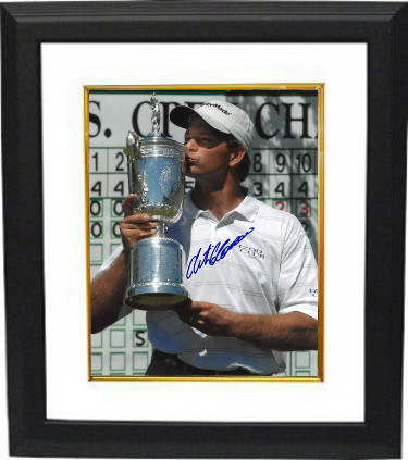 Retief Goosen signed PGA 11x14 Photo Custom Framed (w/ Trophy at 2001 US Open)