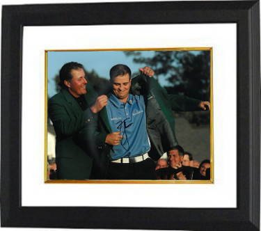 Zach Johnson signed PGA 11X14 Photo Custom Framed (Pose w/ Mickelson)(2007 Augusta National Masters Championship green jacket)