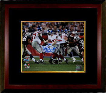 Eli Manning signed New York Giants Super Bowl XLII 8x10 Photo Escape Custom Framing - Steiner Hologram