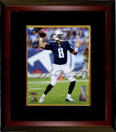 Marcus Mariota signed Tennessee Titans 8x10 Photo Custom Framing #8 (navy jersey)- Mariota & Tri-Star Holograms
