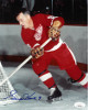Gordie Howe signed Detroit Redwings Vintage 8x10 Photo #9- JSA Hologram #DD64312 (Red jersey)